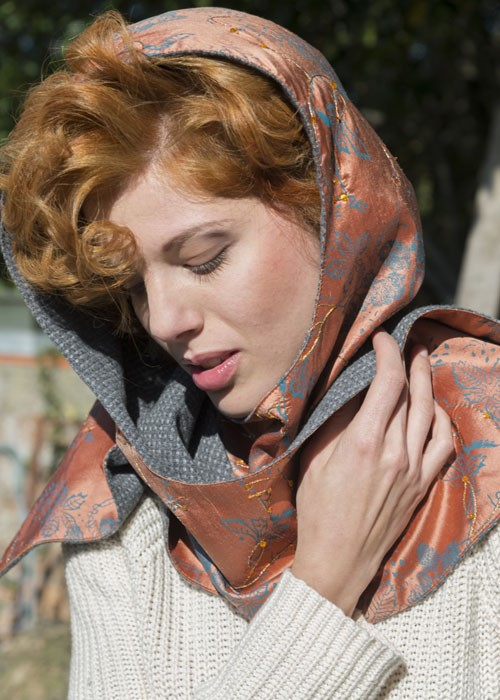 Old Fashion Sartoria, Florence, Hood with scarf double sided in silk and cashmere, handmade in Italy, AC 10-14
