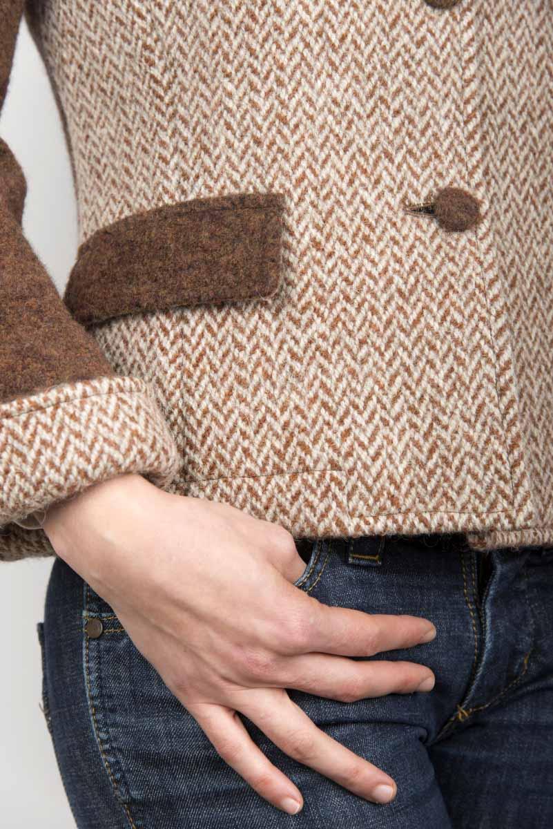 Giacca beige di lana cotta