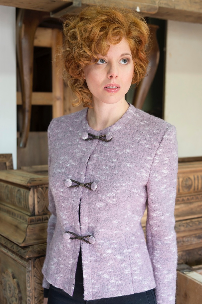 Giacca da donna in lana cotta con Alamari in pelle